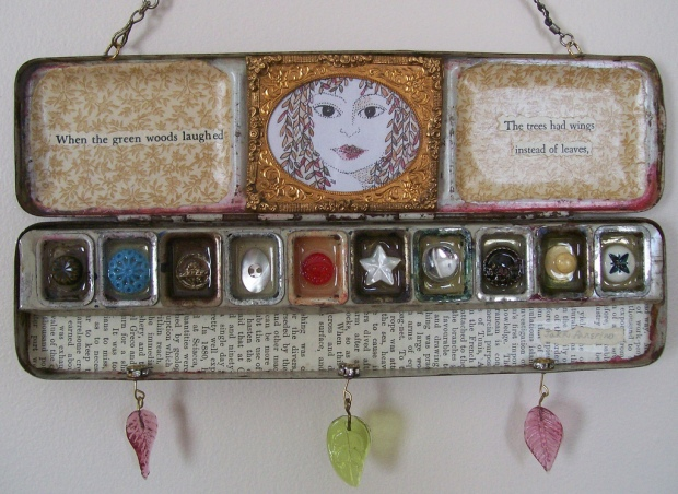 watercolour tin with buttons